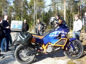 Mika kertoo moottoripyöräänsä tehdyistä muutoksista.